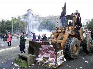 «Бульдозерная революция» в Югославии в 2000-м
